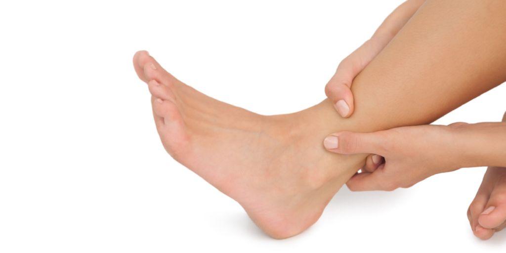 que hacer para que se te deshinchan los pies